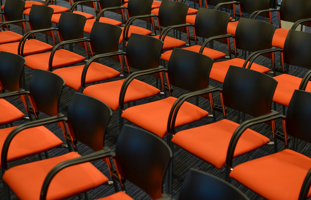 2018 01 26 LERN2018 seats-orange-congress-empty-722708
